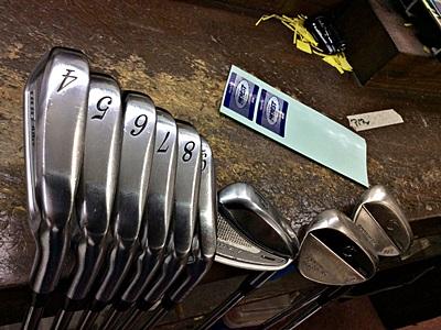 アイアンセットをメンテ中, Golf clubs care and maintenance by HONEST